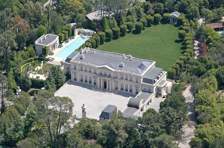 The 10 Most Envied Celebrity Homes in Beverly Hills beverly hills The 10 Most Envied Celebrity Homes in Beverly Hills Fleur de Lys Mansion