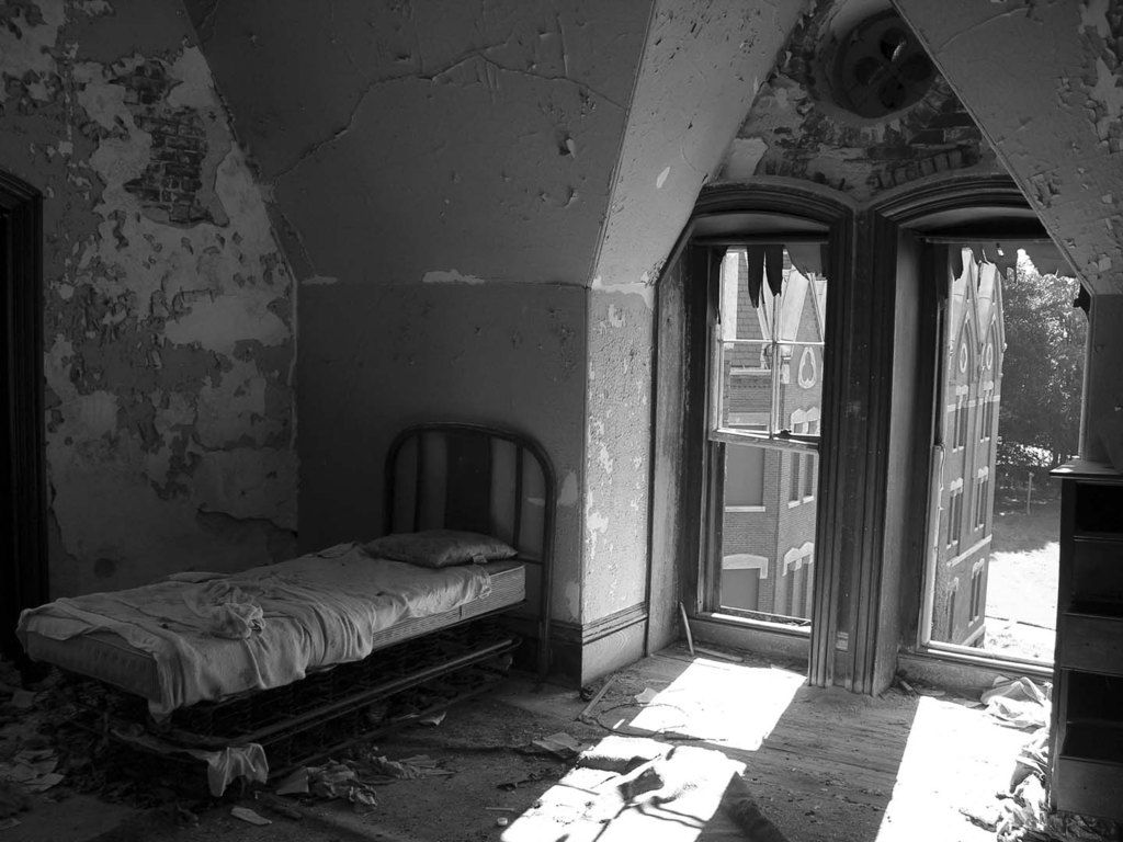 7 Of The Most Haunted Places in New England