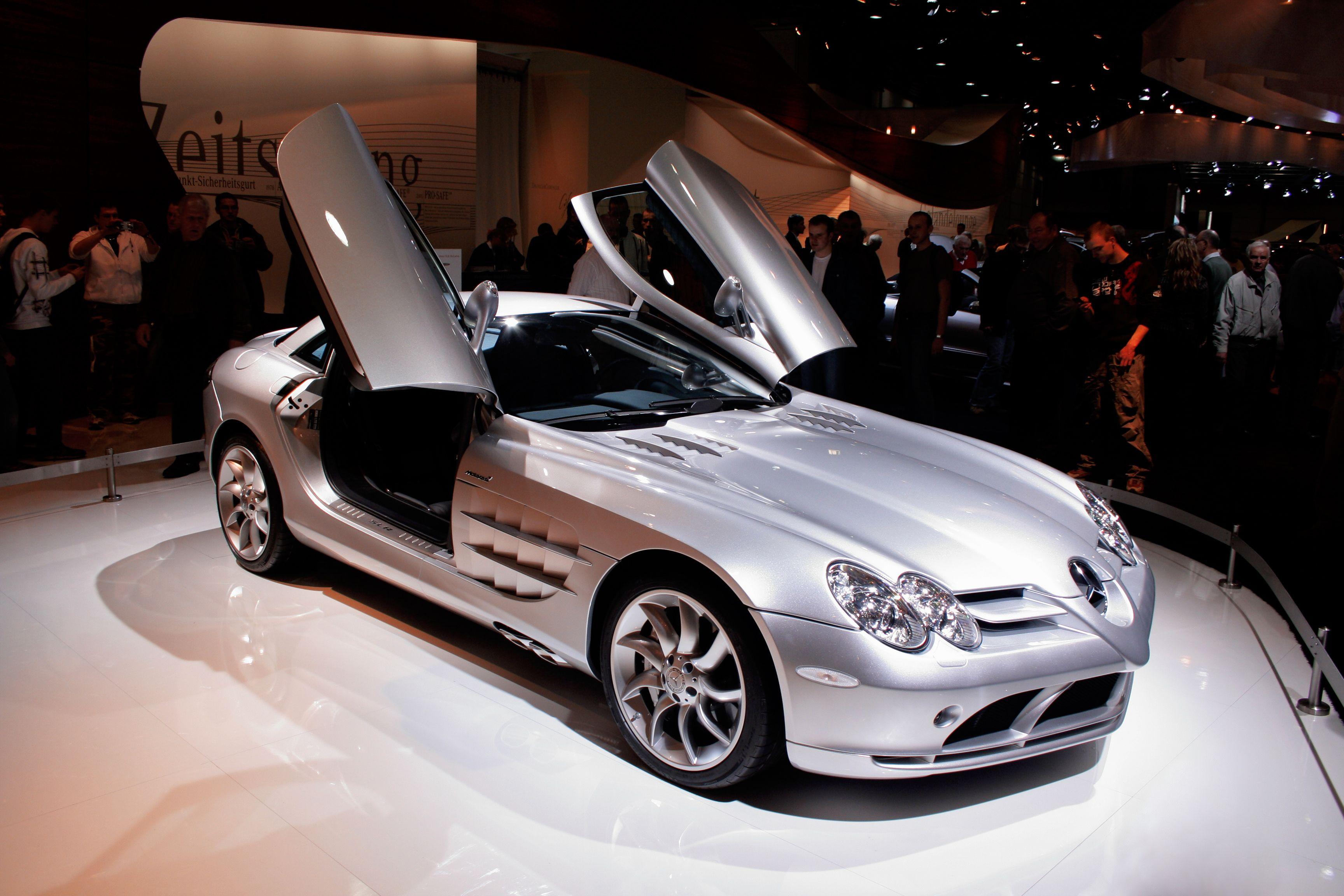 shutterstock_Mercedes-Benz SLR McLaren