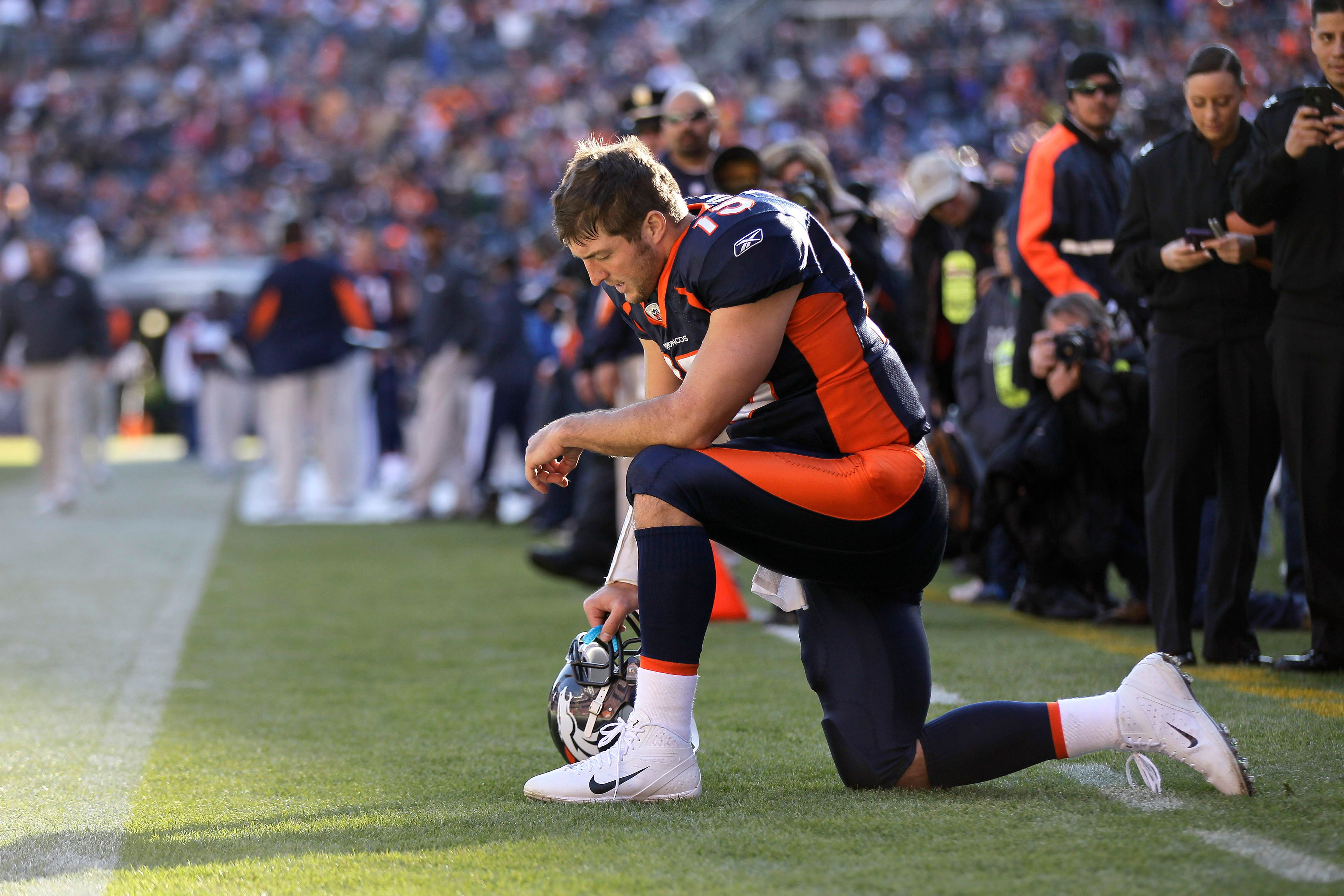6. Tebowing