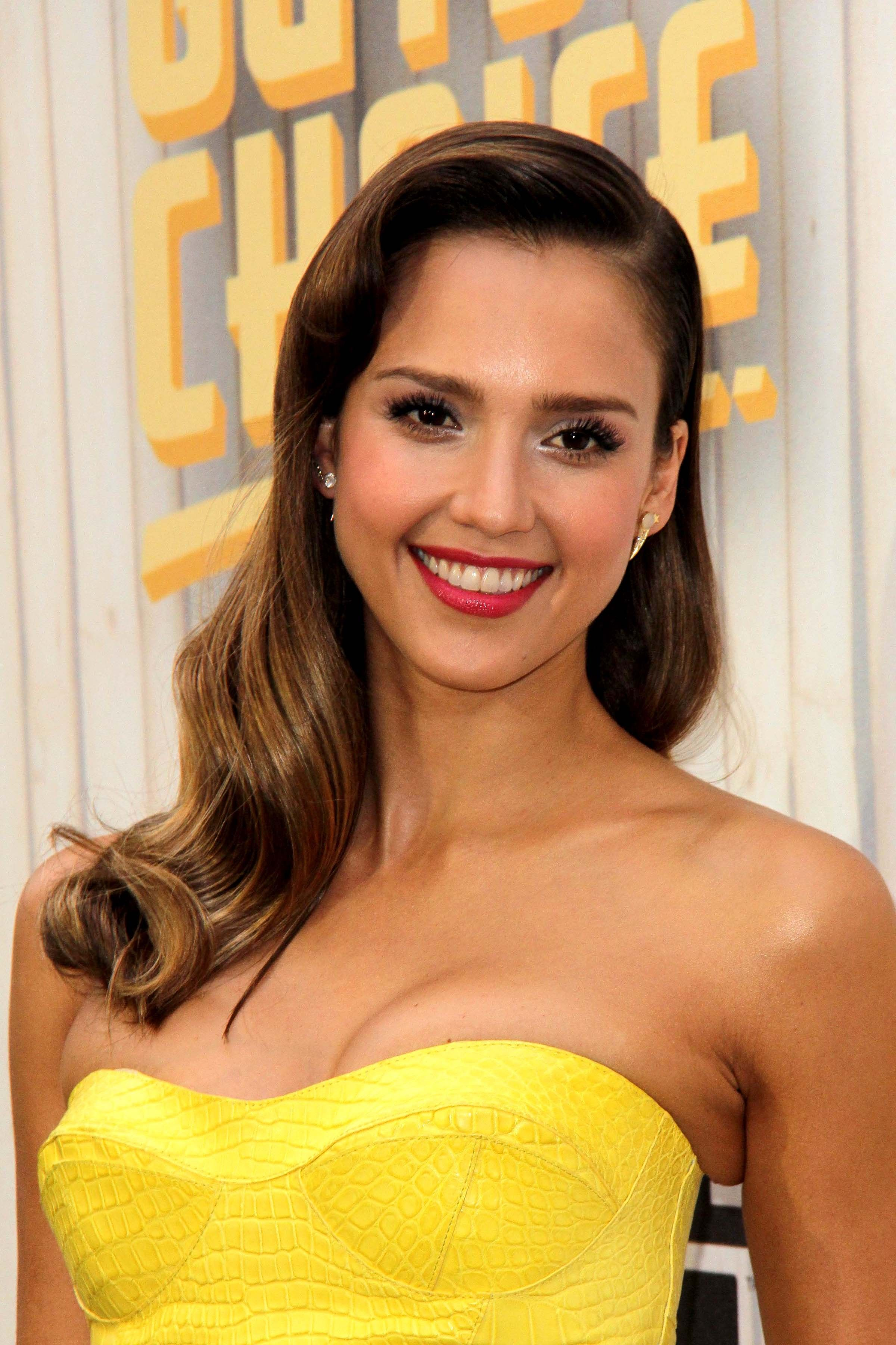 15. Jessica Alba – Wants People To Get Past Her Hotness