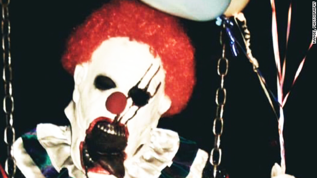 15 Shocking True Stories Of Creepy Clowns | TheRichest