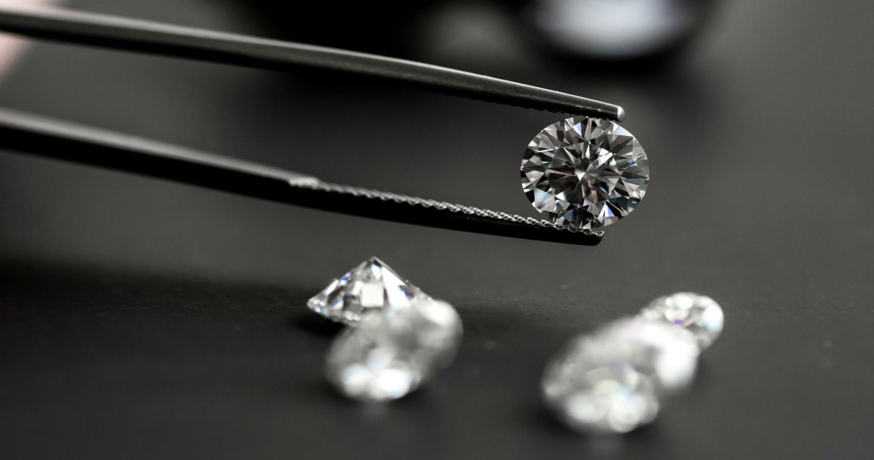 This New Blockchain Will Let Buyers Track Their Jewelry Across The Globe