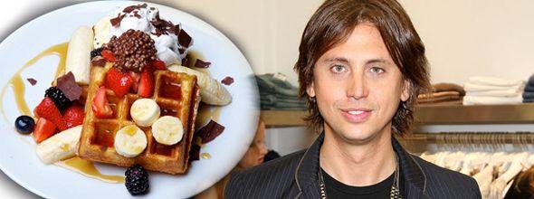 Jonathan Cheban Makes the Most Delicious Waffles