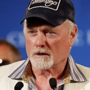 Mike Love Net Worth