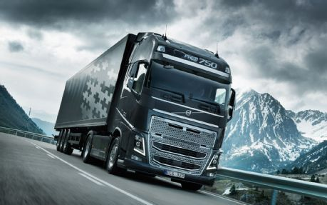 Volvo-FH16-On-Road-Trailer